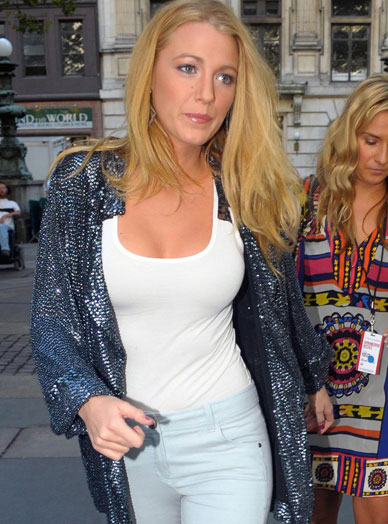 blakelively_jeans_white_small
