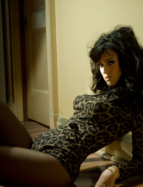 http://coltmonday.files.wordpress.com/2009/12/katy-perry-hot-0409-lg.jpg